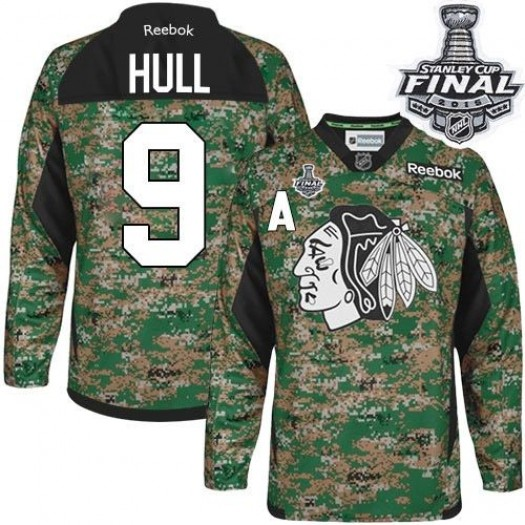 Bobby Hull Chicago Blackhawks Men's Reebok Authentic Camo Veterans Day Practice 2015 Stanley Cup Patch Jersey